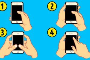 How-You-Hold-Your-Mobile-Phone-Reflects-Your-Personality