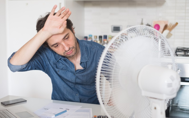Fact!-Is-It-Safe-to-Use-Electric-Fans-and-Air-Conditioning-Units-During-Intense-Temperature 1