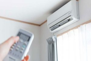 Fact!-Is-It-Safe-to-Use-Electric-Fans-and-Air-Conditioning-Units-During-Intense-Temperature